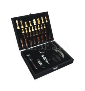 Vianočná darčeková krabička ŠACHY + 6 vinárskych pomôcok
