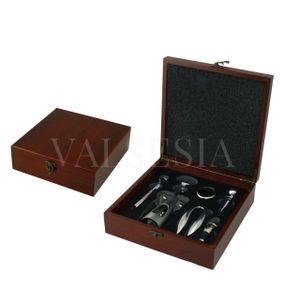 Darčeková krabička MAHAGON s vývrtkou a vinárskou súpravou 5 pomôcok