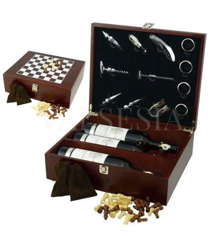 Darčekový obal so šachovou súpravou na 3 vína mahagon + 12 vinárskych pomôcok